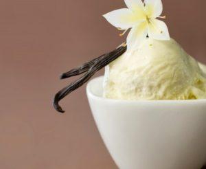 Glace maison à la vanille